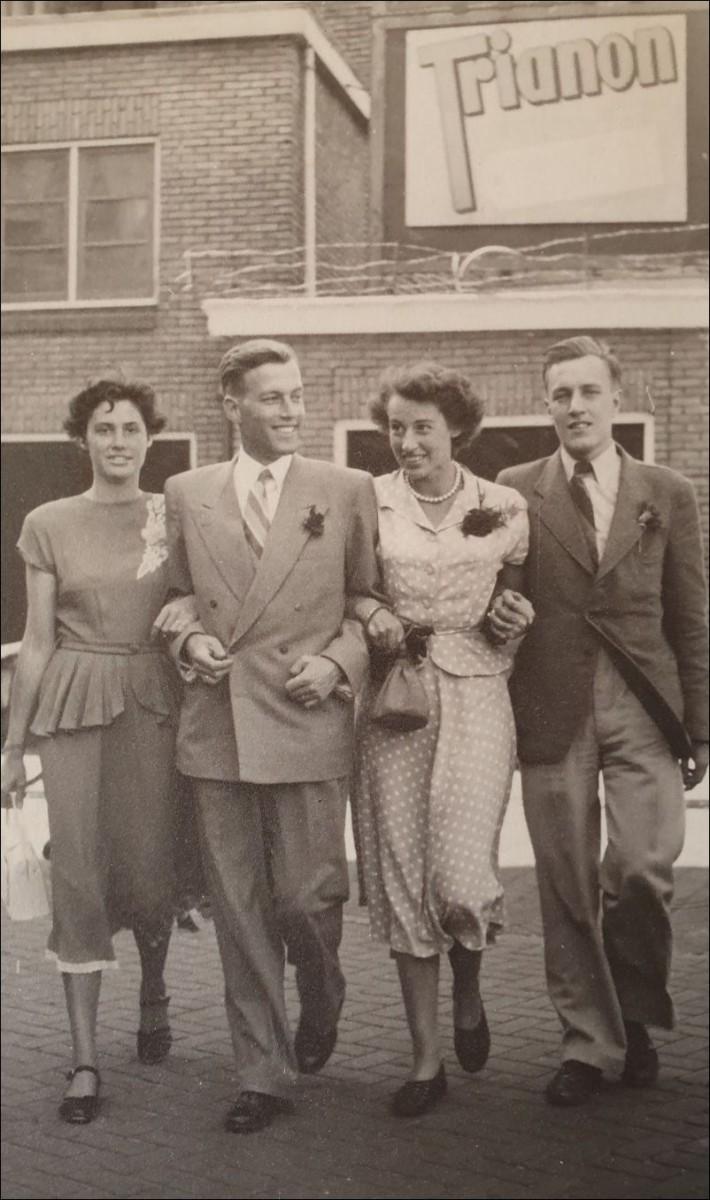 Op weg naar de autorallye. Leiden, 12 juni 1950