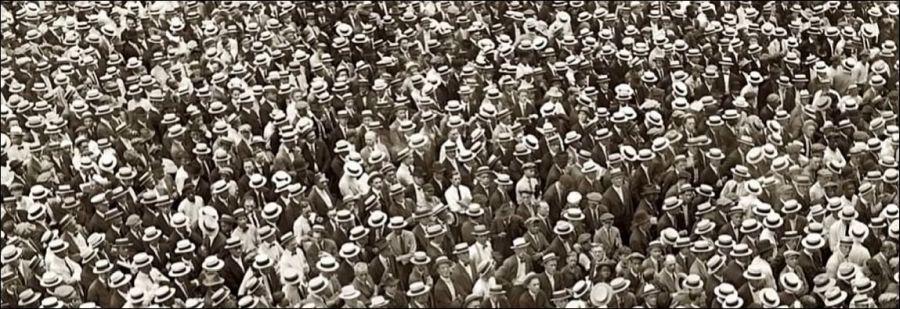 Strooien hoeden in New York, jaren '20 (still uit het college van The History Guy, zie de link)